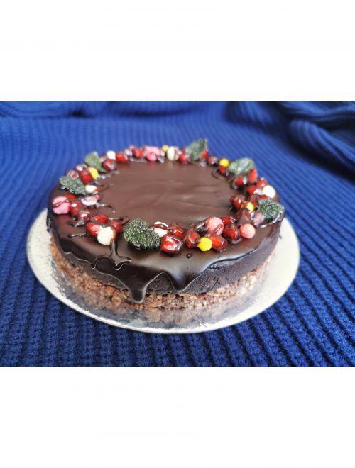 Сурова шоколадова торта