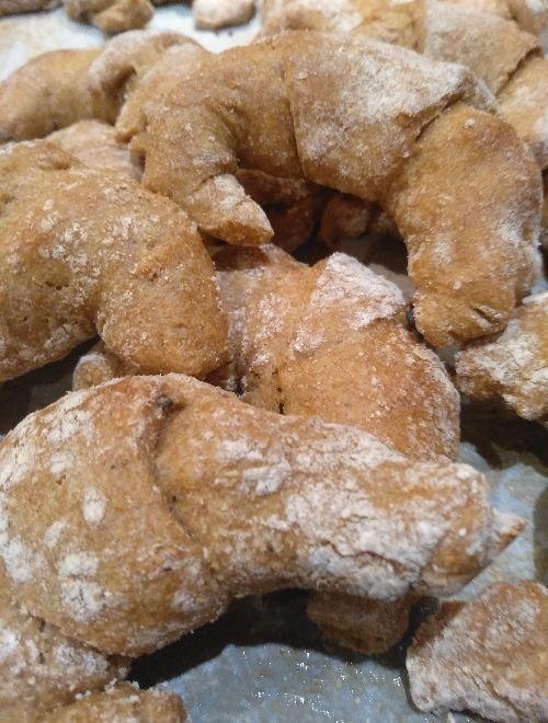 Лимецови кифлички с маслинова паста