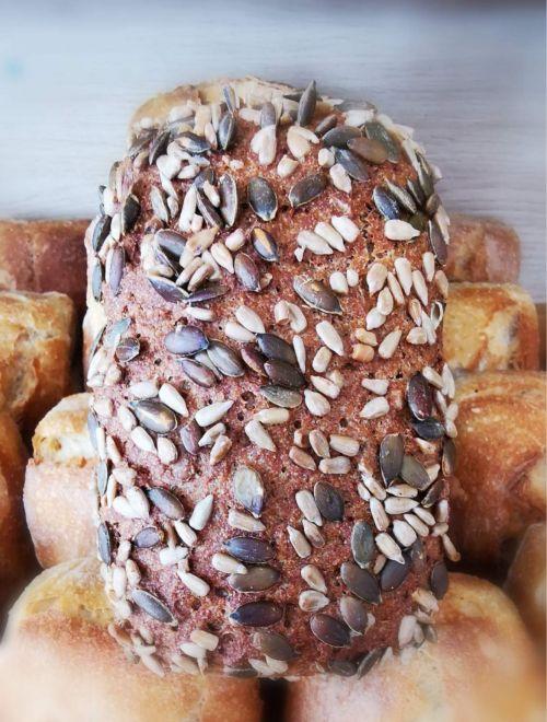 Пълнозърнест пшеничено-ръжен хляб