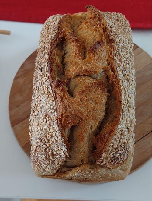 Бял хляб със семена