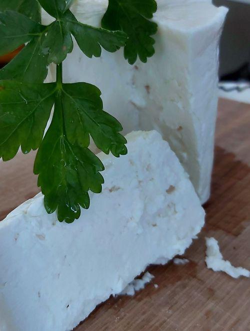 Саламурено козе сирене