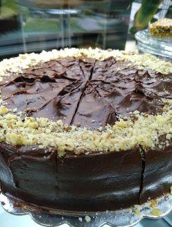 Торта с шоколад и лешници